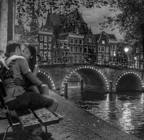 Liebesgedichte – Manchmal sitzt man einfach da