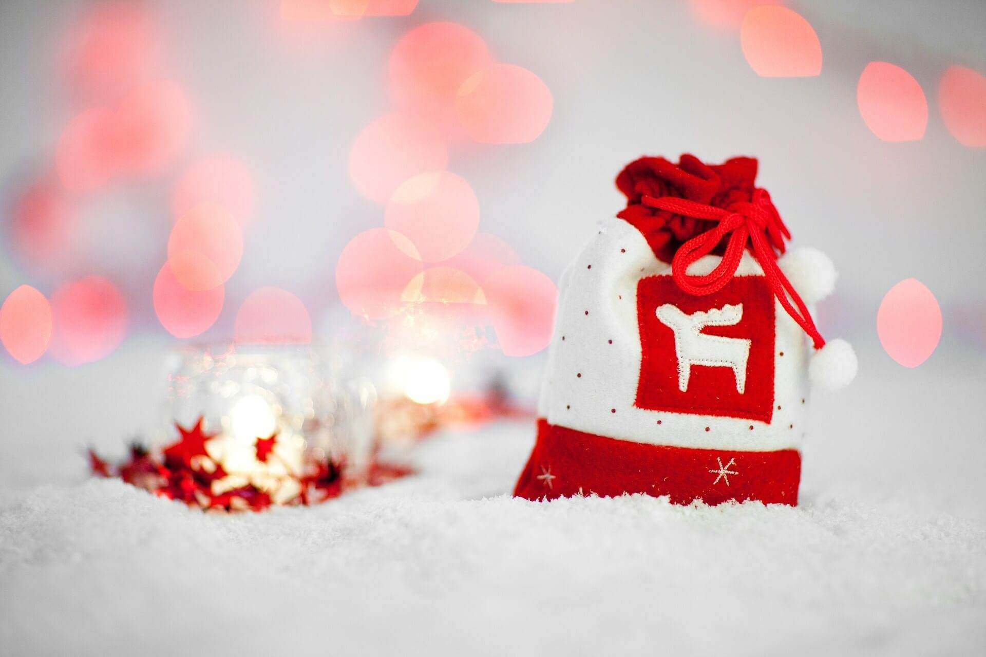 3. Geschenktipp – Partnerhalskette mit zwei Ringe