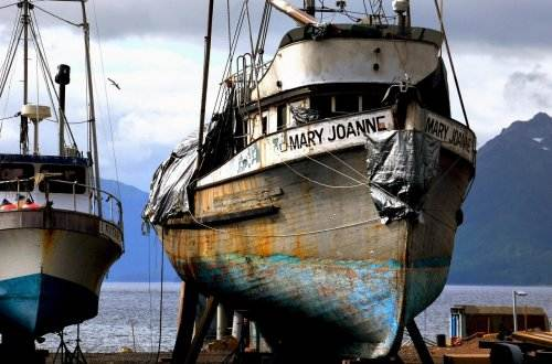fishing-boats-1159067_1280
