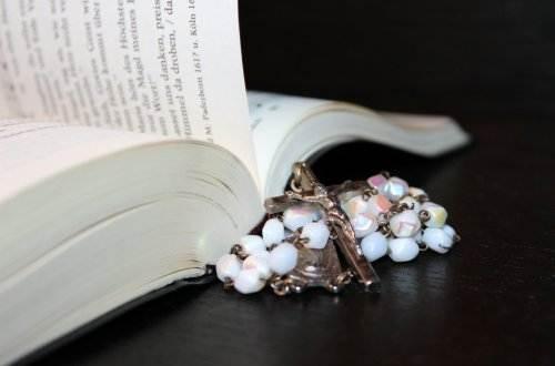 rosary-1215116_1920