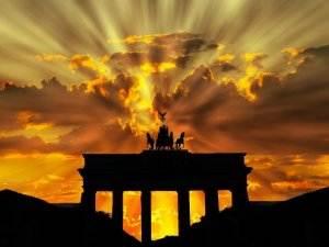 Gedichte von Liebe & Leben - Fronleichnamsprozession von Georg Heym brandenburger-tor-201939_1280-300x225 Gedichte von Liebe & Leben - Fronleichnamsprozession von Georg Heym brandenburger tor 201939 1280