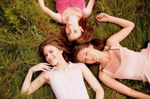 girls-1487826_1920