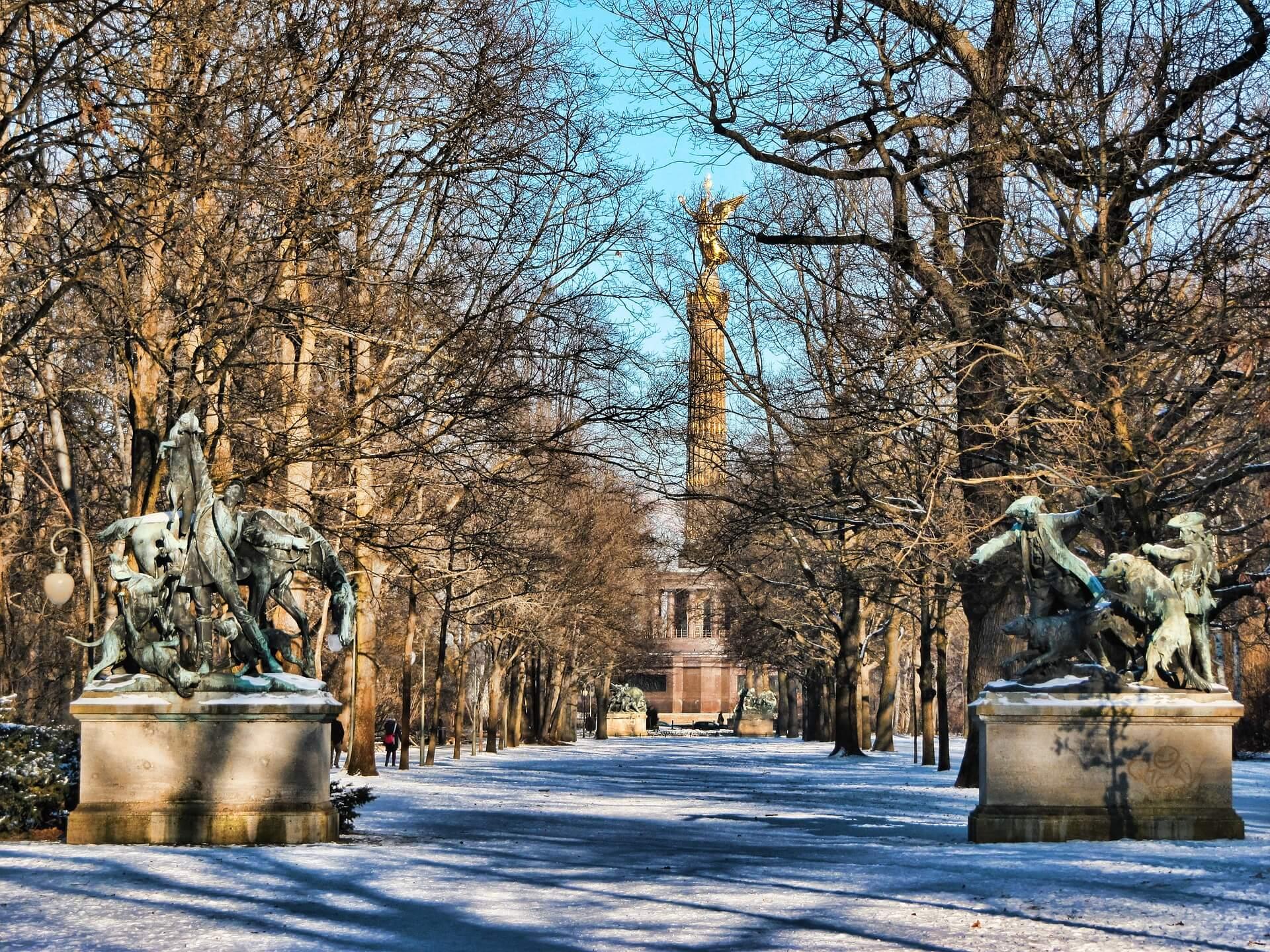 Liebesgedichte - An den Freyherrn von A. aus Cöthen über die Winterlustbarkeiten in Berlin von Anna Louisa Karsch