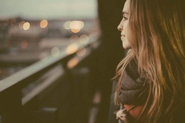 Wie man Schüchternheit mit Mädchen überwindet