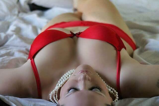 Frauen können mit Liebeskugeln ihren Beckenboden trainieren