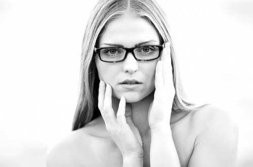 Mit Brille auf Partnersuche - sind Brillenträger attraktiv